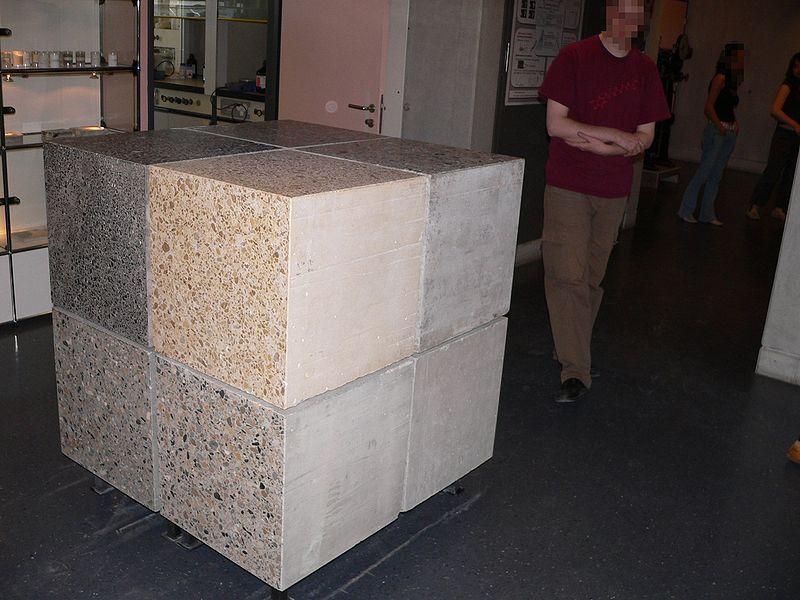 800px-Metre-cube-beton-p1040192